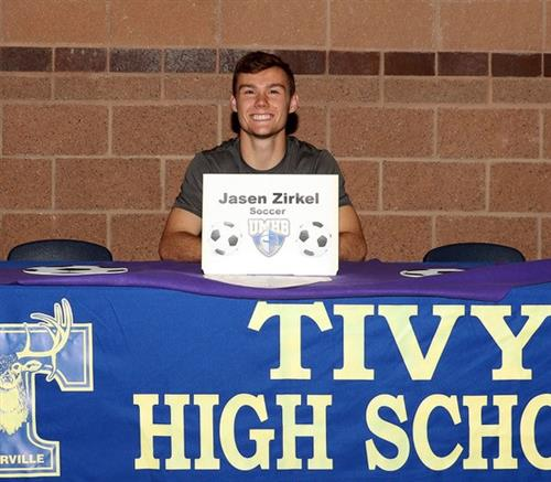 zirkel signs with umhb